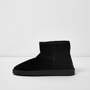 Black fur lined short boots