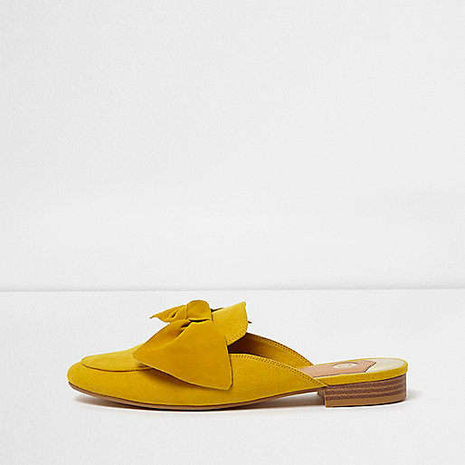 Yellow bow front backless loafer