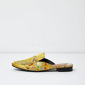 Gelbe Loafer mit Blumenmuster