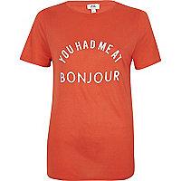 Rood aansluitend T-shirt met 'Bonjour'-print