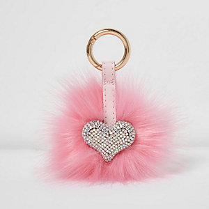 Pluizige sleutelhanger met roze hart