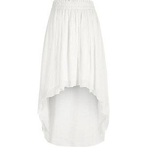 Jupe longue asymétrique blanche plissée