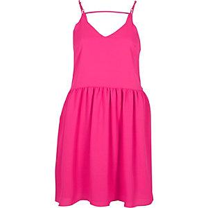 Pinkes Trägerkleid mit asymmetrischem Saum