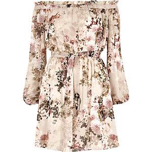 Robe Bardot à fleurs crème nouée sur le devant