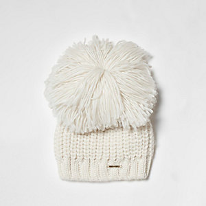Cream oversized pom pom knitted beanie hat