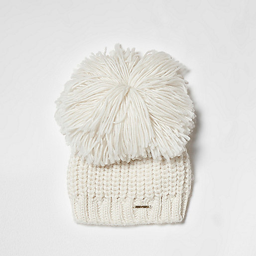 Cream oversized pom pom knitted beanie hat