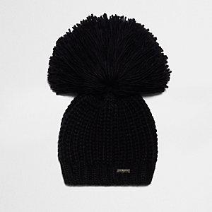 Bonnet noir à gros pompon