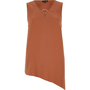 Brown ring front asymmetric hem tank