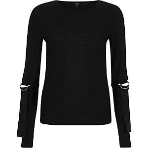 Zwarte geribbelde top met lange mouwen, Di-ringen en splitjes