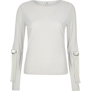 Grey ribbed D ring split long sleeve top