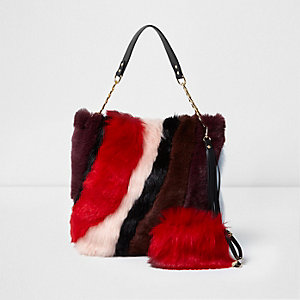 Red faux fur slouch chain bag