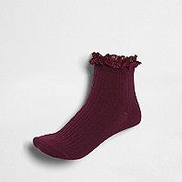 Donkerrode sokken met kabels en ruches