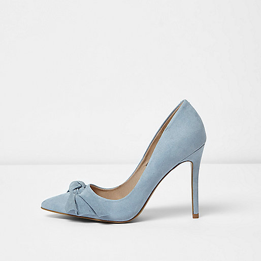 Blue bow court shoes
