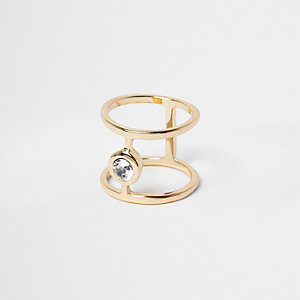 Gold tone rhinestone ring
