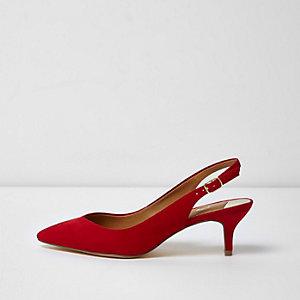Escarpins rouges à bride arrière et petits talons