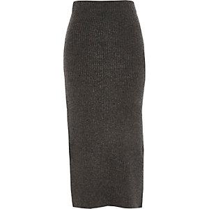 Jupe mi-longue en maille grise côtelée