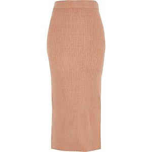 Jupe mi-longue en maille côtelée fendue sur le côté