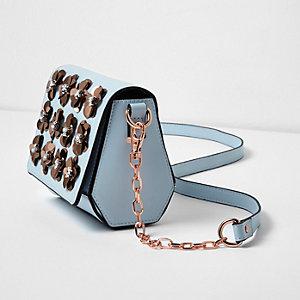 Hellblaue Umhängetasche mit 3D-Blume