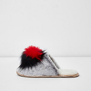 Grey faux fur heart pom pom slippers