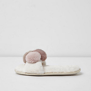 Cream fluffy pom pom slippers
