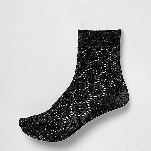 Socquettes noires au crochet argenté