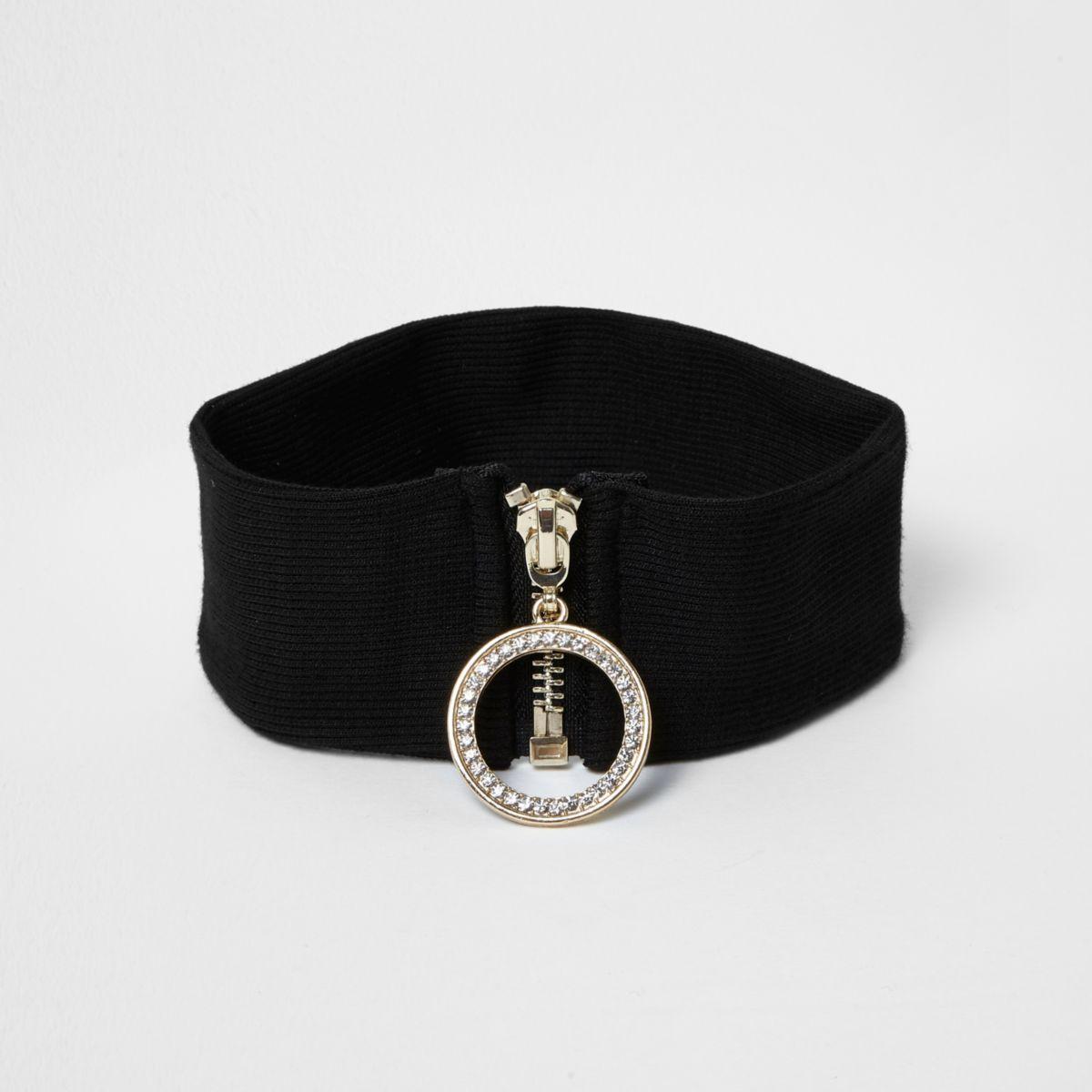 Black '90s ring zip choker