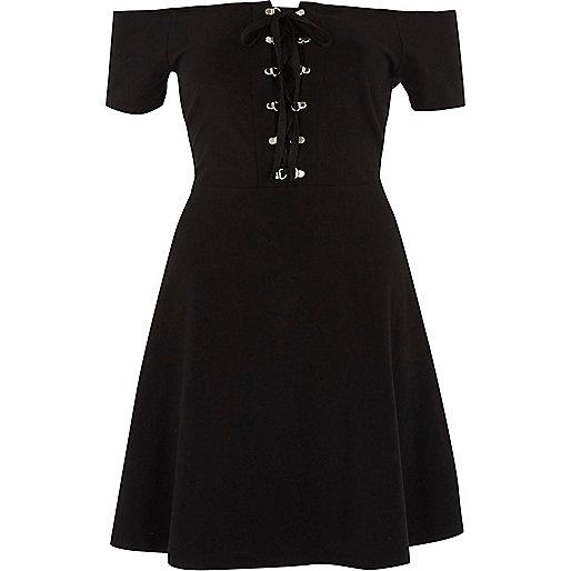 Schwarzes Skater-Kleid mit Schnürung