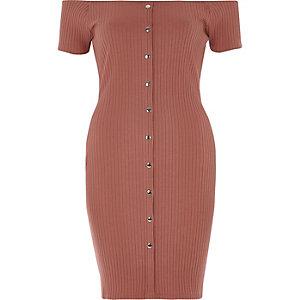 Robe Bardot rose à boutons-pression devant