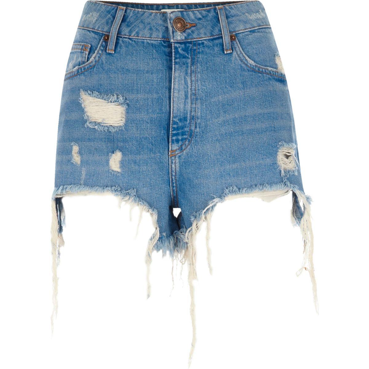 Blaue, hochgeschnittene Jeansshorts im Used-Look