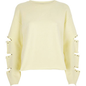 Light yellow slashed sleeve sweatshirt