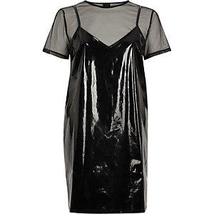 Robe t-shirt en tulle et vinyle noire
