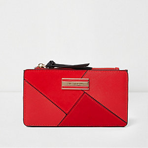 Red cutabout panel slim purse