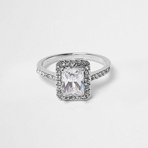 Silver tone rectangle diamante ring