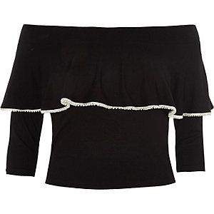 Schwarzes Crop Top mit Rüschen und Perlenbesatz