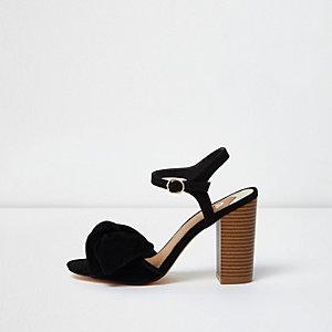Sandales noires avec nœud et talon carré