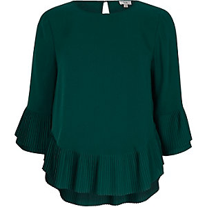 Green pleated hem top