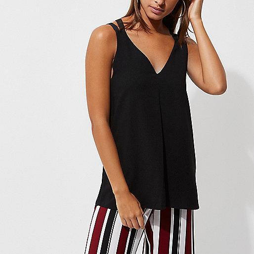 Zwart hemdje met dubbele en gekruiste bandjes