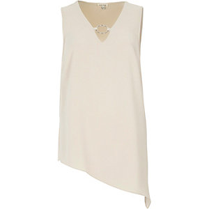 Light beige ring front tank