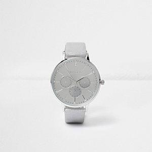 Zilverkleurig horloge met metallic cirkel