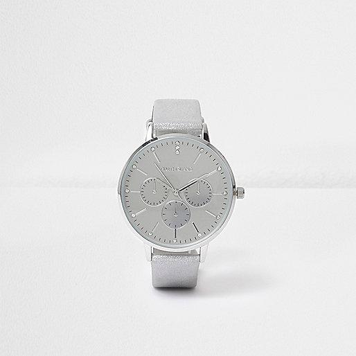 Silver tone metallic circle watch