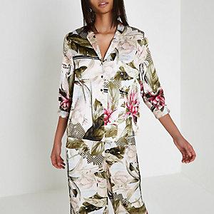 Chemise de pyjama en satin crème motif tropical