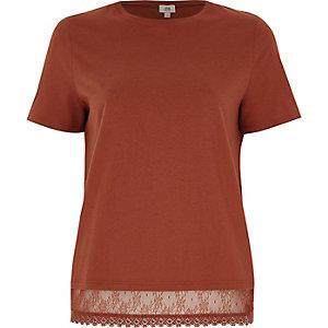 T-shirt marron à ourlet en dentelle
