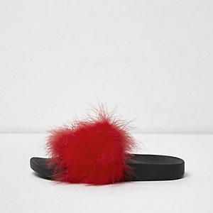 Nu-pieds rouges duveteux