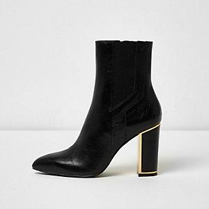 Bottes en cuir noires à bordure dorée et talon carré