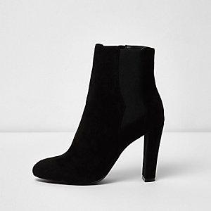 Schwarze Chelsea-Stiefel mit weiter Passform