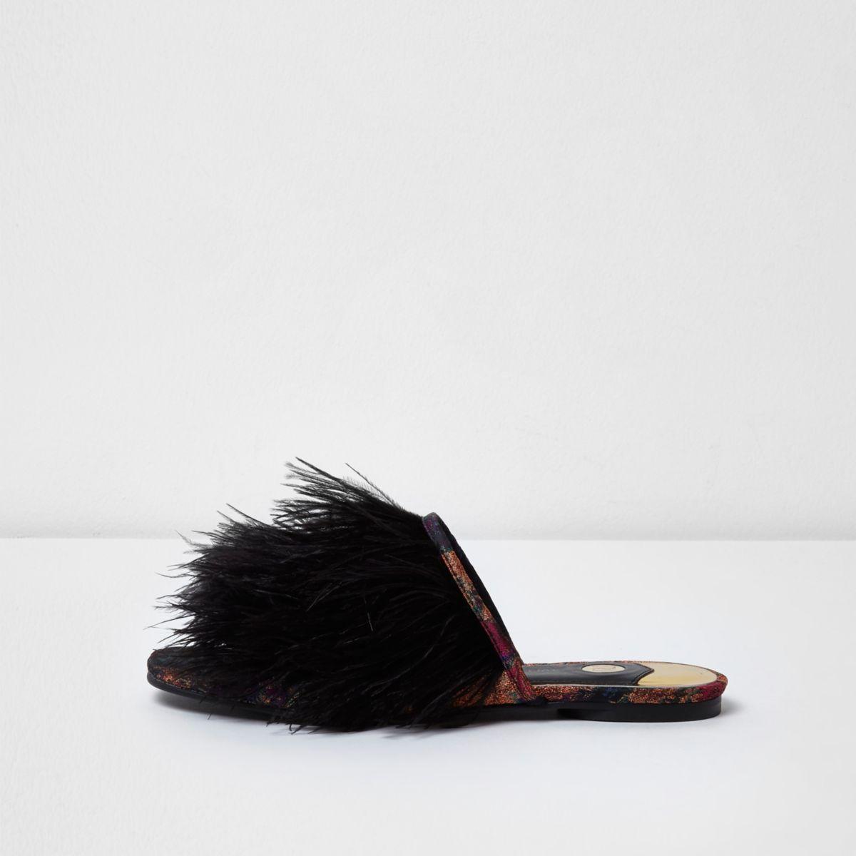 Zwarte slip-on sandalen met veren