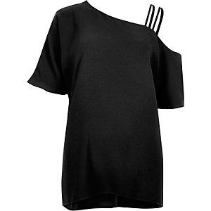 Zwarte cami top met bandjes en blote schouder