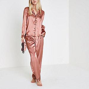 Coffret cadeau pyjama en satin rose à bordure en dentelle