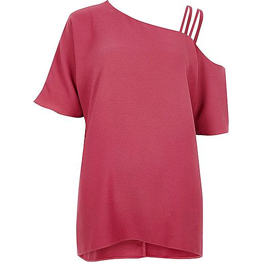 Pink asymmetric cold shoulder detail top