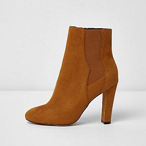 Braune Chelsea-Stiefel mit Absatz